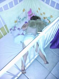 Avoir chaud la nuit, et dormir dans des position improbable