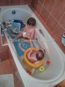 les 2 dans le bain, pour leur plus grand plaisir !