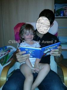Melle Pikotine qui lit l'histoire du soir avec son parrain <3
