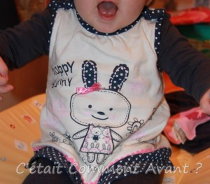 "Collant et Tee Shirt Marine, Robe ""Happy Bunny"""