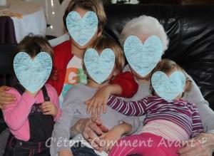 Une arrière grand-mère avec une partie de ses arrières petits enfants (4 sur 18)
