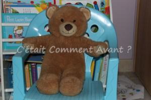 Punir doudou sur la chaise bleue :-(