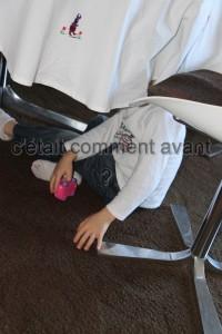 Se cacher sous la table pour tirer les rois, mon neveu est fan !