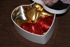 La boite remplie de chocolat ;-)